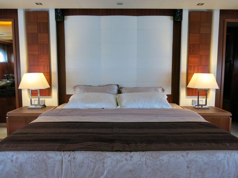 Lavender Master Bedroom02